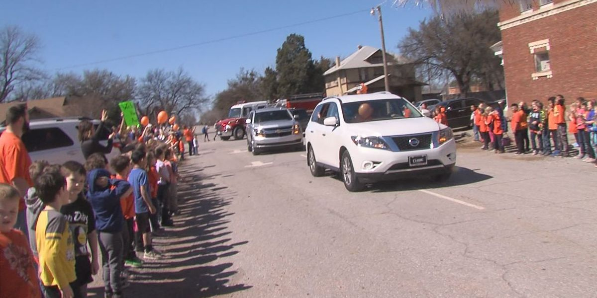 Walters student welcomed home after spending months in the hospital