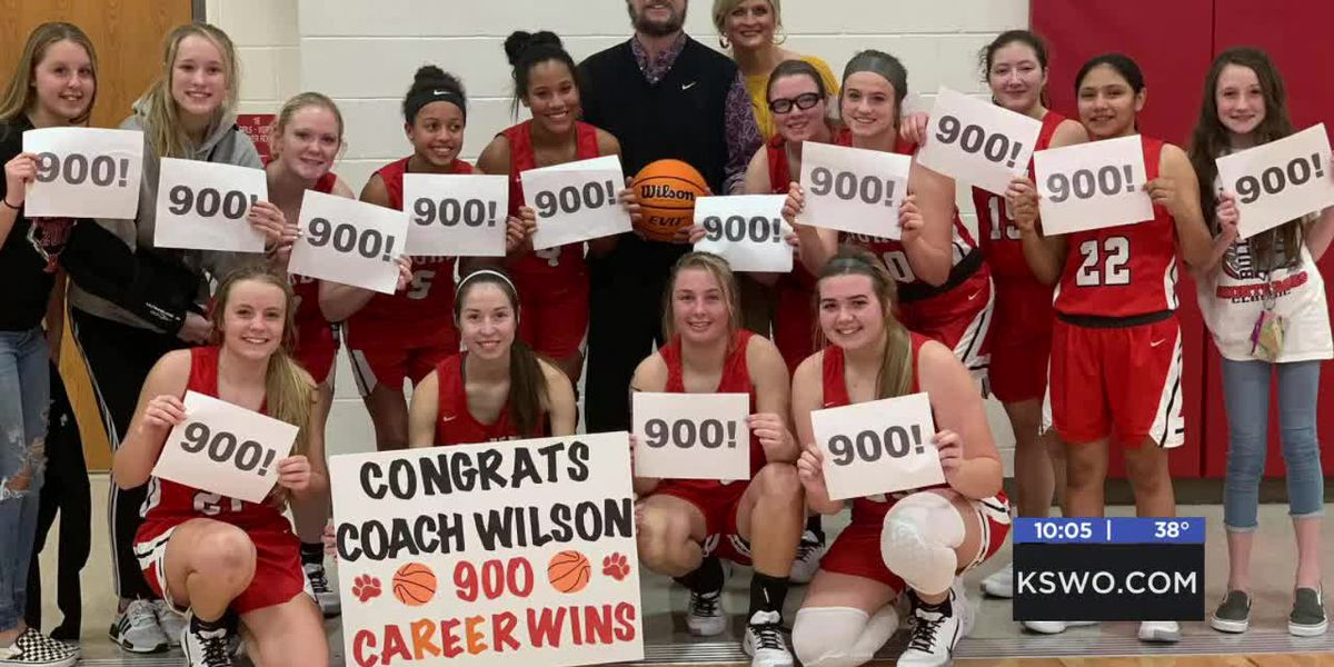 Duke High School coach gets 900th career win