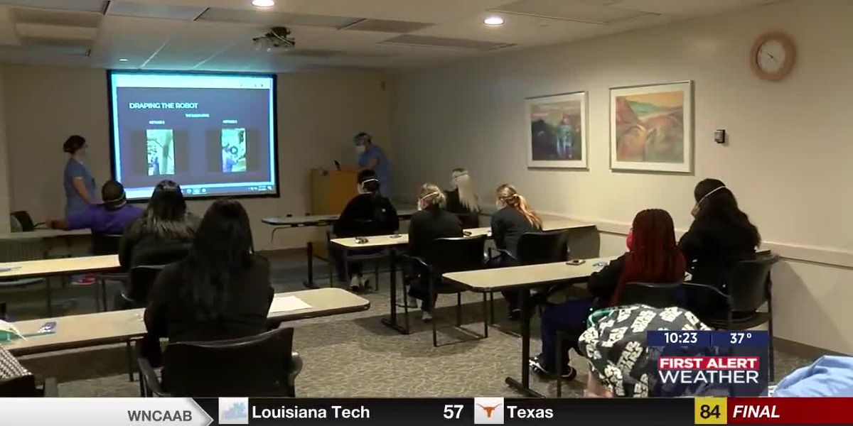 Medwatch: Students visit CCMH to see robotic surgical system