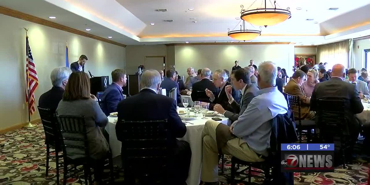 Rep. McEntire speaks at state of healthcare luncheon