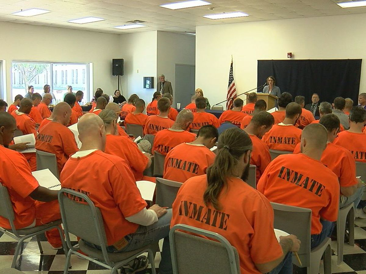 Transition fairs held as new law allows thousands of inmates across Oklahoma early release