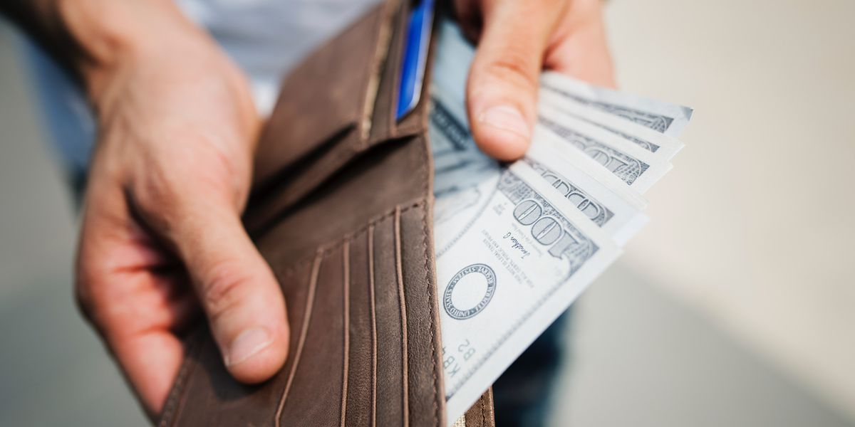 Customer orders 2 waters, leaves $10,000 tip at NC restaurant