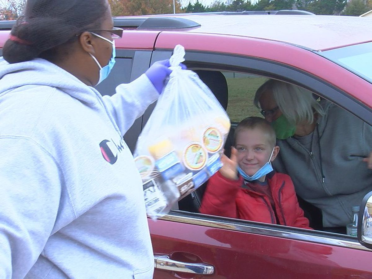 LPS, Duncan Community Development give away food Monday